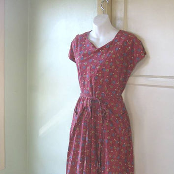 Medium 1950s Red Print House Dress - Grandma Country Aunt Bee Farm Dress House - Red Cotton Pin Up Rockabilly Dress