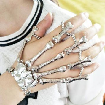 Fashion Women Punk Bracelet Alloy Skull Finger Hand Chain Skeleton Bone Ladies Girls Bracelets Halloween Gifts @M23