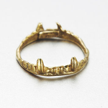 vampire crown ring- gold brass
