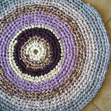 Round Bullseye Crocheted Rag Rug in Lavender - Cottage Style, Shabby Chic, Recycled, Purple