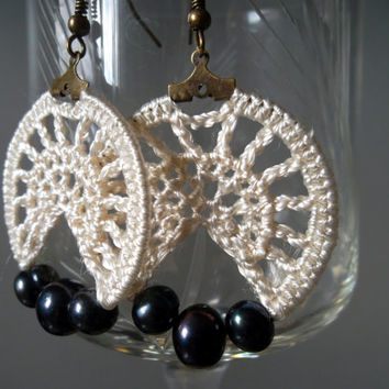 Off White Lace Small Hoop Crochet Earrings With Black River Pearls And Fine Silk Thread, Pearl Drop Bridesmaid Jewelry, Wedding Accessories