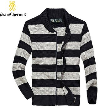 2019 High Quality Autumn Casual Striped Men Outwear Cotton Sweaters Men V-Neck Cardigan Coat
