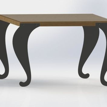 Traditional Style Plain Scroll Legs of Table