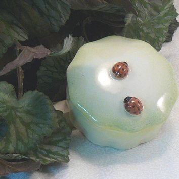 Ceramic Ladybug Keepsake Box by GrapeVineCeramicsGft on Etsy