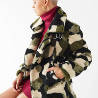 UO Camo Fleece Buckle Aviator Jacket | Urban Outfitters