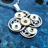 Steampunk Flower Pendant Fiore by amechanicalmind