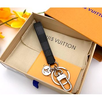 LV street fashion men and women classic old flower vintage keychain Black check