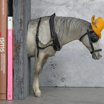 EQUINE COLLECTION fedora horse bookend in dapple grey