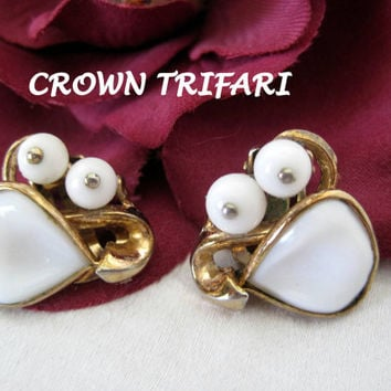 Vintage Crown Trifari Molded White Glass Pat. Pend. Earrings