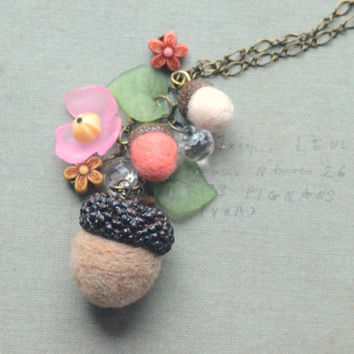 Acorn necklace, woodland theme acorns and flowers handmade necklace, needle felted acorns, whimsical jewelry, gift under 15