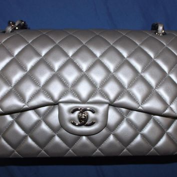 RARE COLLECTOR'S CHANEL CLASSIC 2.55 LAMBSKIN QUILTED JUMBO BAG SILVER HARDWARE
