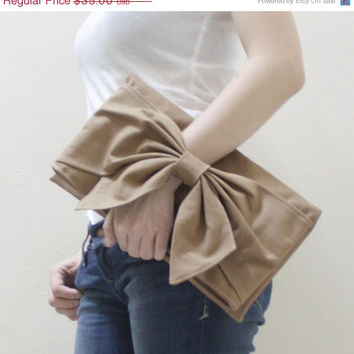 CHRISTMAS SALE Women Handman Clutch Bag, Dinner Bag, Handbags, Wristlet, Mini iPad, Tablet Case, Gift Ideas for Her - BOW in Khaki