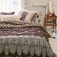 Plum & Bow Bessum Border Comforter | Urban Outfitters