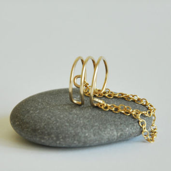 Gold Filled Ear Cuff, Triple Ear Cuff and Chain, 3 Ring Ear Cuff, Helix Ear Cuff, Triple Ear Cuff, Ear Cuff, Ear Cuffs, Earcuf