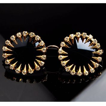 2017 Mens designer sunglasses Cool Fashion rivet steampunk Sun glasses Rhinestone Round Women Sunglasses Unique Style UV400
