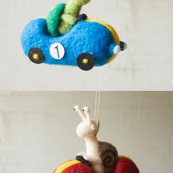 Set Of 2 Felt Slow Animals In Fast Cars