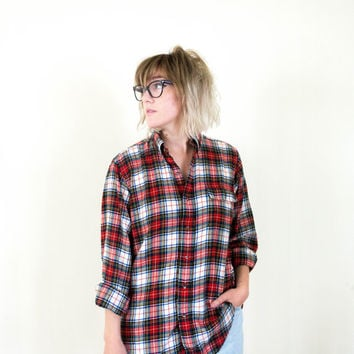 vtg 90s grunge boyfriend flannel, red white plaid button down, 1990s long sleeve shirt, urban vintage, tumblr soft grunge, hipster fashion