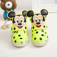 Children Shoes With Light Popular in Europe Boys Shoes Autumn Winter Girls Cartoon Sneakers Kids Led Sport Shoes