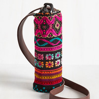 Made to Your Hiking Bottle Tote in Floral Tapestry | Mod Retro Vintage Keychains | ModCloth.com