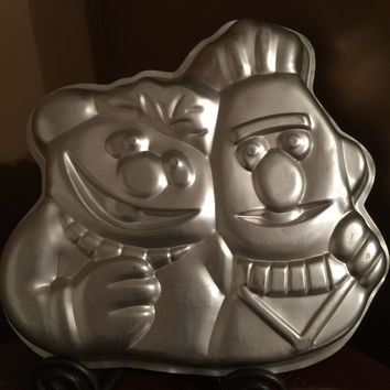 Wilton Muppets Ernie and Bert Cake Pan - 1971