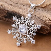 Women Creative 925 Silver Plated Cubic Zirconia Snowflake Necklace Pendant Hot