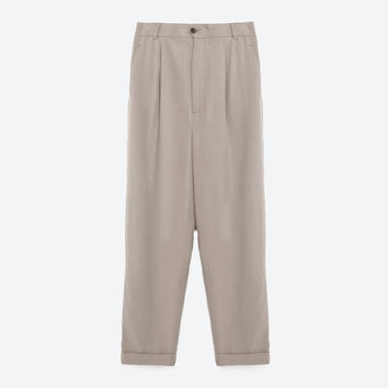 CROPPED TROUSERS WITH PLEAT