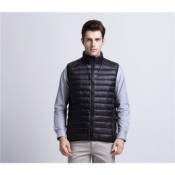 Ultra Light Duck Down Vest Men 90% White Duck Down Winter Sleeveless Jacket 2017 Brand Winter Down Vest Gilet Men Down Vest Coat