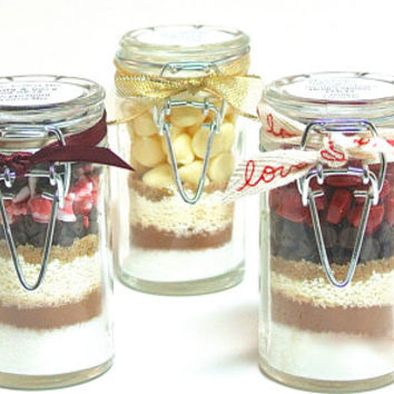 Hot Chocolate in Jar- 3 Mini Hot Cocoa Mixes in Snap Top Glass Jars, Hot Cocoa Gift Set, Gourmet Hot Chocolate Sampler, Favors