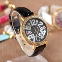 Designer's Awesome New Arrival Good Price Great Deal Gift Trendy Korean Stylish White Soft Pearls Fashion Rhinestone Watch [4933061124]