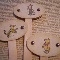 12 Classic Winnie the Pooh Cupcake Toppers/Drink by ZoeAmaris