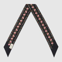 Gucci Roses print silk neck bow