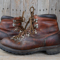 Vintage RED WING Irish Setter Dog Tag Mountaineer Hiking Boots, 8.5 Mens