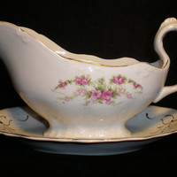 Gravy Boat with Tray (55)