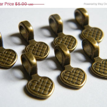 VACATION SALE 20 x Antique Brass Bronze Bails Brass Pendants Heart Shaped Flat Pad Necklace Bail 17x8mm