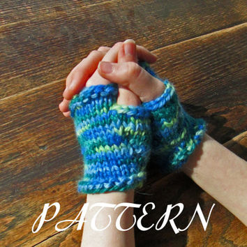 Fingerless Gloves Knitting Pattern - Instant Download PDF - Size 9 Needle - Short Gloves - Typing Gloves - Bulky Weight