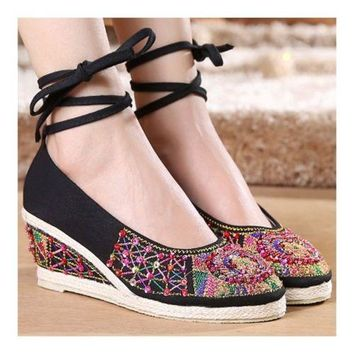 Old Beijing Cloth Embroidered Shoes Beads   black