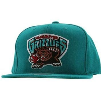 ONETOW Mitchell & Ness Men's The Vancouver Grizzlies Wool Solid Snapback Cap One Size Teal 2017