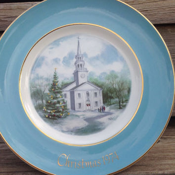 """Wedgewood Christmas Plate Series """"Country Church"""" Christmas 1974 Made for Avon"""
