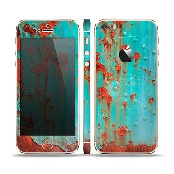 The Teal Metal with Rust Skin Set for the Apple iPhone 5s