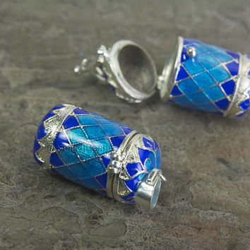 blue enamel locket - green enamel pendant  - silver plated brass lockets - jewelry lockets wholesale - memory locket supplies -4 pcs