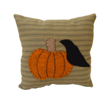 Rustic Pumpkin, Primitive Pumpkin Pillow, Crow, Wool Felt Pillow, Applique Pumpkin Pillow, Fall Decor, Shelf Sitter, Prim Pillow
