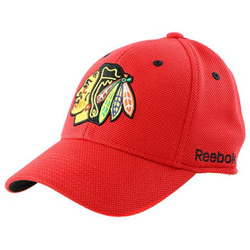 Mens Chicago Blackhawks Reebok Red Face-off Structured Flex Hat (L/XL)