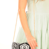 Between Tribal Lines Purse: Black/White