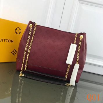 HCXX 19Aug 064 M66813 Louis Vuitton LV Hollow Chain Tote Bag Fashion Large-capacity Hobo Bag 30-25-11cm Wine Red