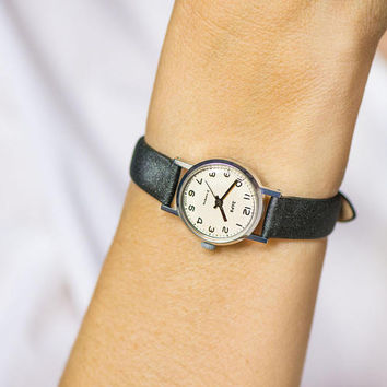Classic women's watch vintage, black white lady watch minimalist, women's watch Dawn small, 70s wristwatch jewelry tiny, new leather strap