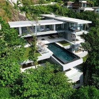 Cliff-Hanging Home + Incredible Cantilevered Infinity Pool | Designs & Ideas on Dornob