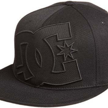 DC Men's Ya Heard Flexfit Hat, Black/Black, Small/Medium