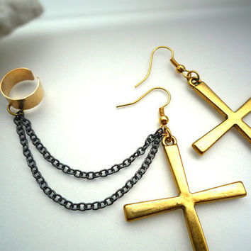 Large Cross Ear Cuff Set With Oxidized Chains - Hammered Ear Cuff - 100% Nickel Free ( A71 )