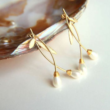 Earrings:Gold plated brass earring hooks with white pearls and leaves, gold plated studs earring elegant leaves and bulb shaped pearls