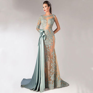 2017 New Sexy Formal Prom Evening Party Dress Court Train Pageant Wedding Lace Long Sleeves Appliqued Gown Cocktail Dresses